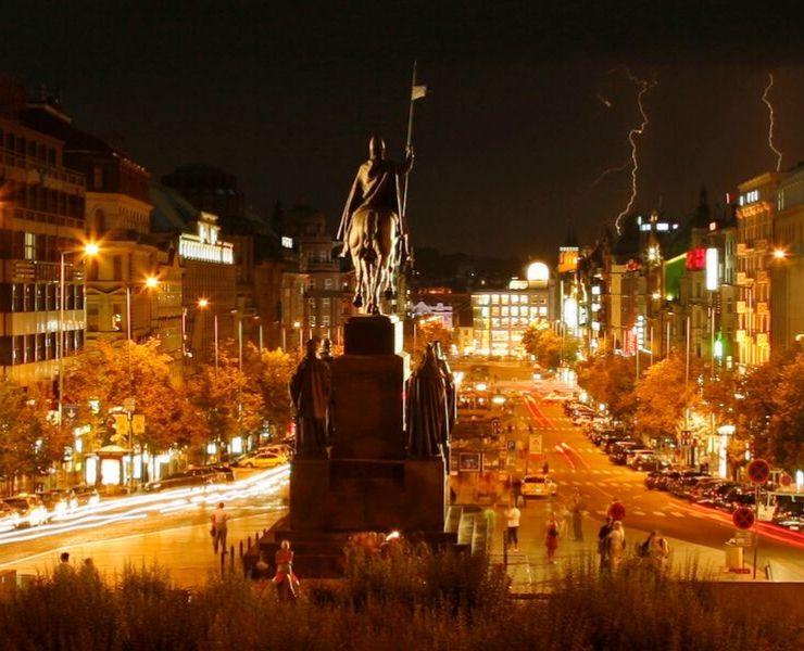 WENCESLAS SQUARE - Václavské náměstí