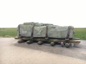 AN EXAMPLE OF THE LARGE STONES USED TO MAKE STONEHENGE How the stones were moved to Stonehenge - visiting Stonhenge
