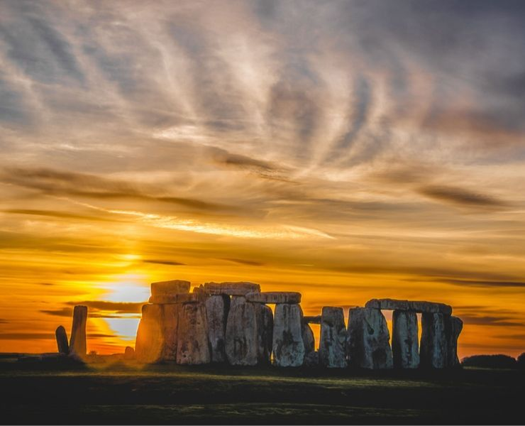 Tips for visiting Stonehenge featured by top international travel blogger, Tracy's Travels in Time: Sunset at Stonehenge