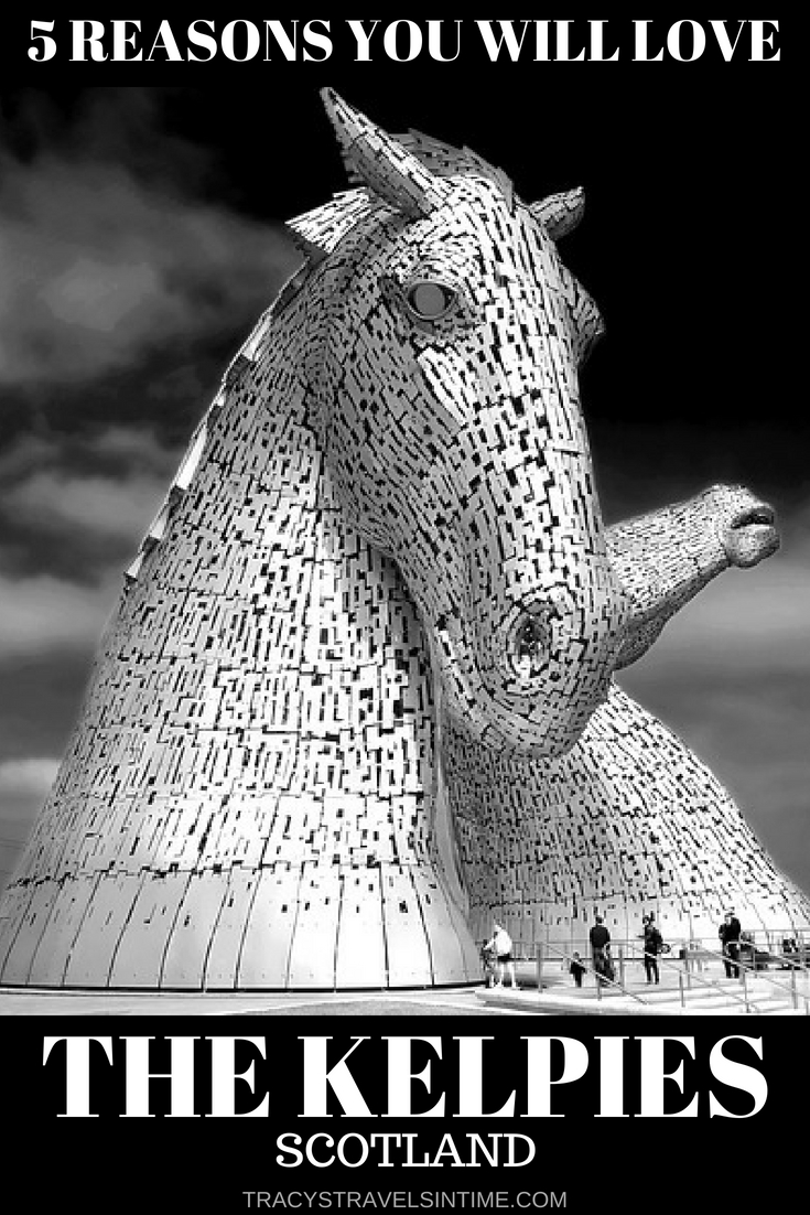 5 reasons why you will love visiting the Kelpies in Scotland. These giant horse statues are a must-see if you are heading to Scotland. Find out why in my post! #thekelpies #kelpies #falkirk #scotland