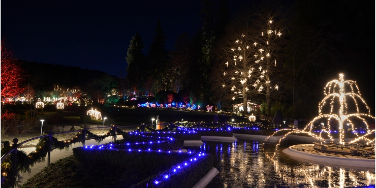 CHRISTMAS AT BUTCHART GARDENS
