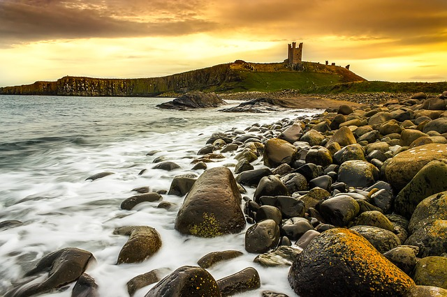 DUNSTANBURGH CASTLE - planning a drive up the Northumberland coastal route featured by international travel blog, Tracy's Travels in Time