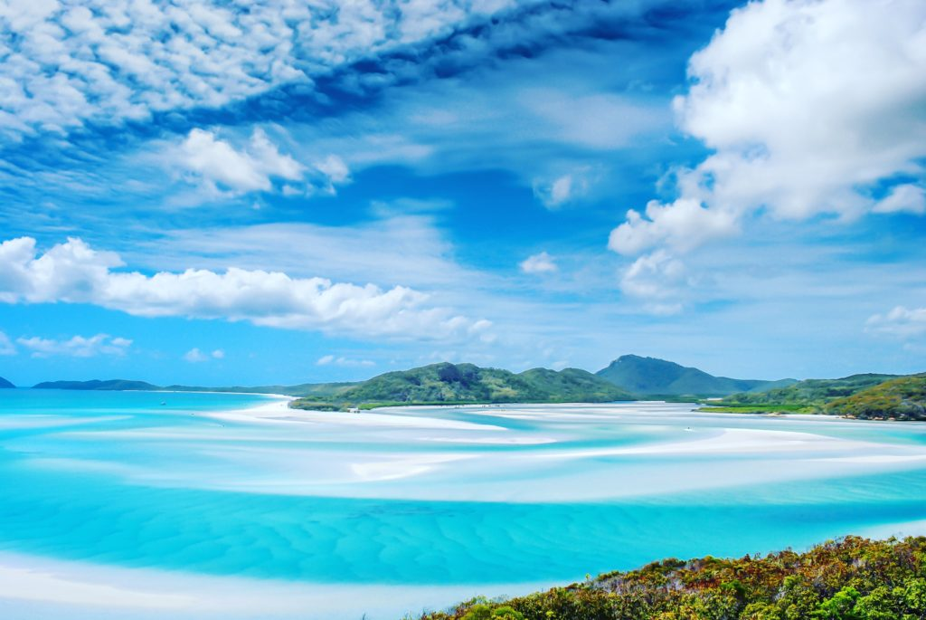   The Best Things to Do in Queensland Australia featured by top international travel blogger, Tracy's Travels in Time: Whitsunday Island