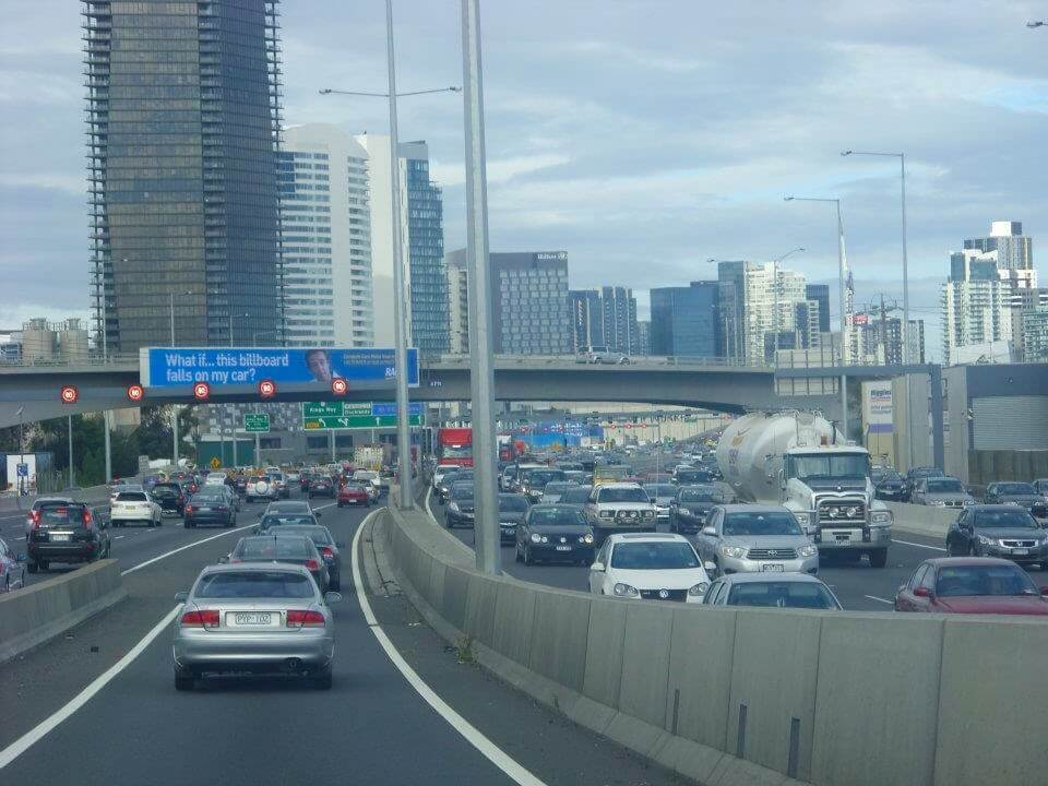 busy-roads-into-melbourne
