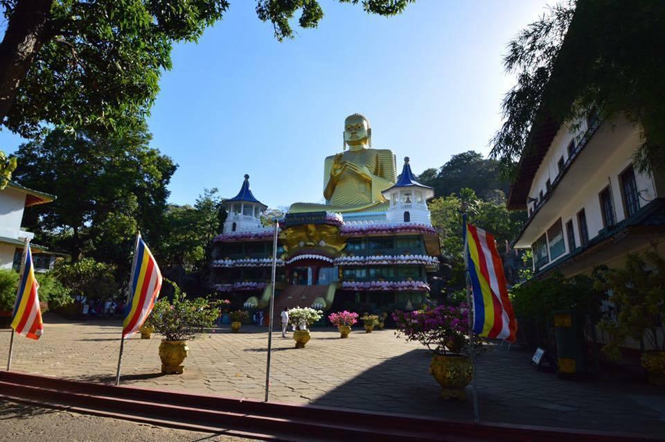dambala-cave-temple-3