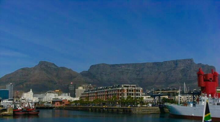 A PHOTO OF TABLE MOUNTAIN IN Cape Town South Africa