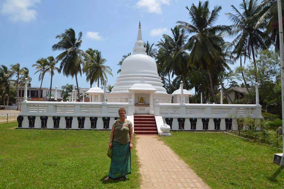 wear-appropriate-clothing Top Ten Tips for visiting Sri Lanka