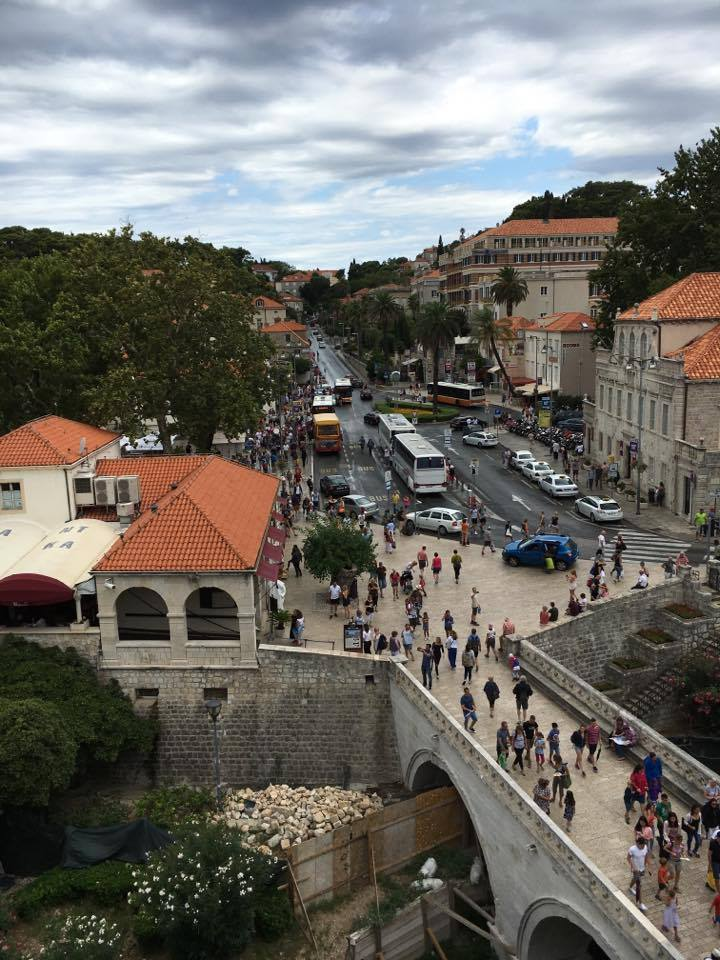 where-the-buses-drop-you-off the Pile gateBest things to do in Dubrovnik featured by international travel blog, Tracy's Travels in Time