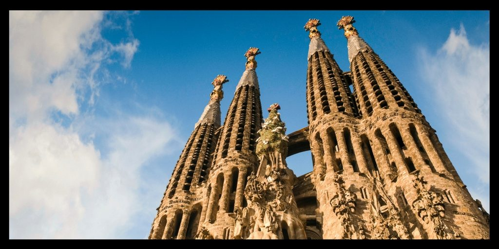 Top 20 Beautiful Places in Europe to Visit featured by top international travel blogger, Tracy's Travels in Time: barcelona spain