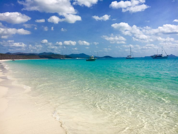 visiting whitehaven beach on the whitsundays