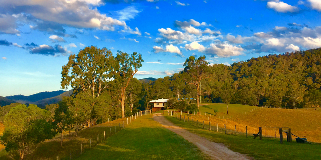 Wonderful accommodation in Sunshine Coast Hinterland – Yabbaloumba Retreat
