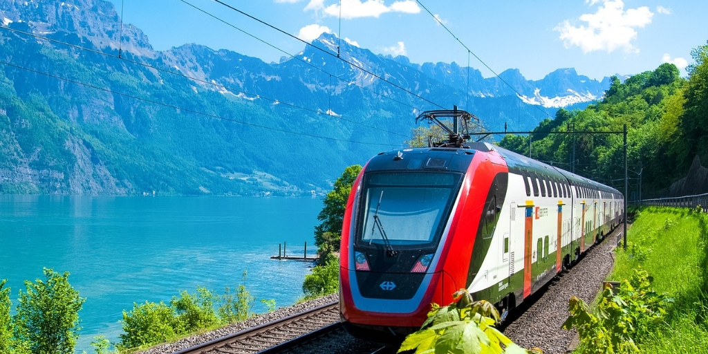 10 advantages of train travel around the world