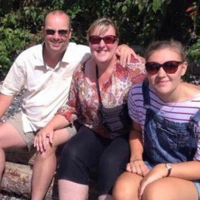 about top international travel and expat blogger, Tracy's Travels in Time: image of a family photo