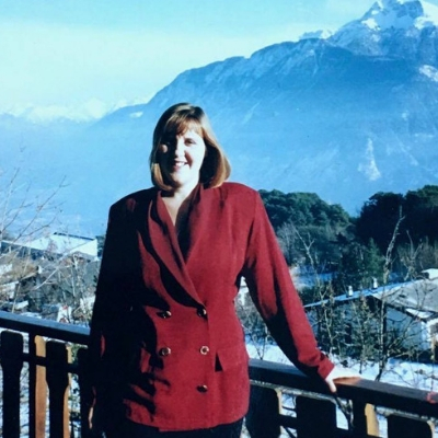 about top international travel and expat blogger, Tracy's Travels in Time: image of Tracy in her 20's in Switzerland