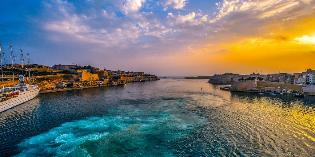TOP TIPS for visiting Malta featured by top international travel blogger, Tracy's Travels in Time