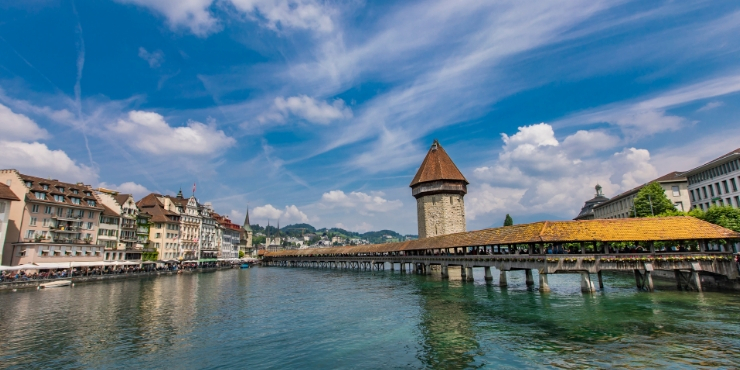 The Best Things to do in Lucerne Switzerland featured by top international travel blogger, Tracy's Travels in Time: Chapel Bridge