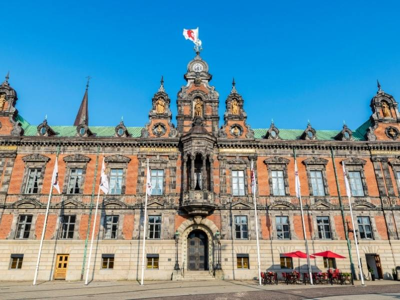 the city hall Malmo in Sweden just one thing to see when spending a day in Malmo | How to travel from Copenhagen to Malmo