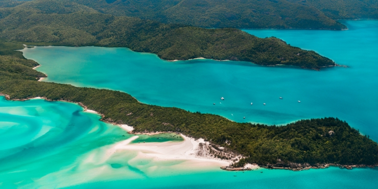 aerial shot of whitehaven beach