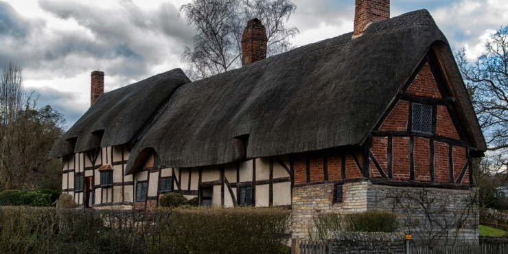 Anne Hathaway's Cottage - day trips from London by train