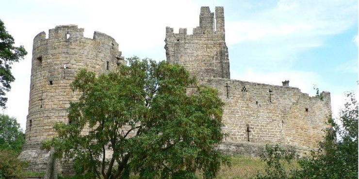 6 of the Best Northumberland Castles to Visit featured by top international travel blogger, Tracy's Travels in Time: image of Prudhoe Castle