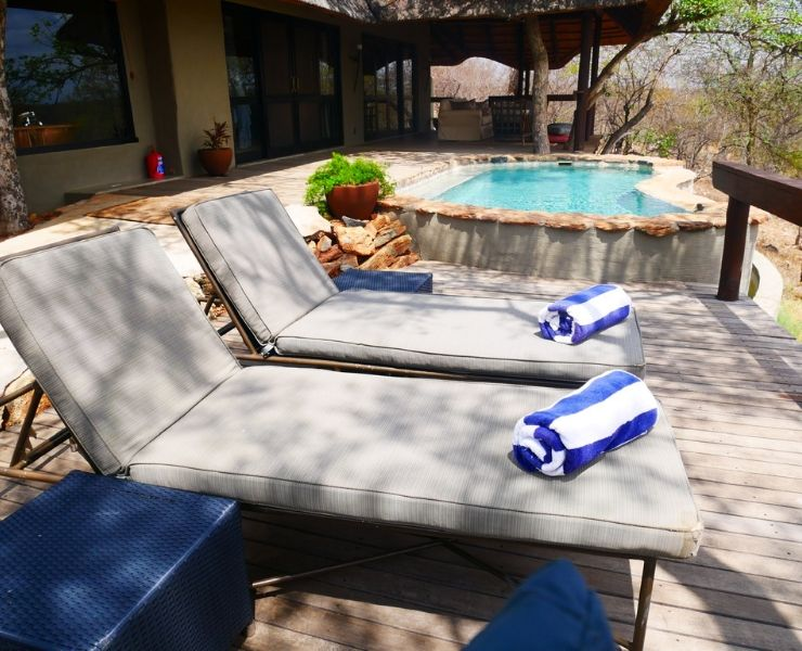 Best games lodges in South Africa featured by top international travel blogger, Tracy's Travels in Time: Garonga safari lodge