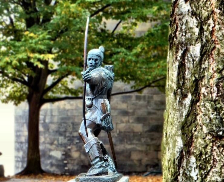 The statue of Robin Hood in Nottingham