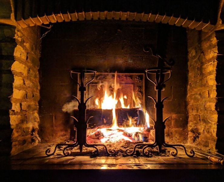winter in London - cozy fire in a pub
