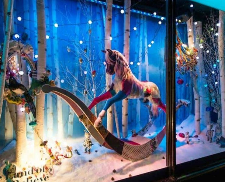 London in winter - Harrods window