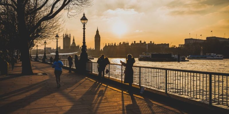 best walking tours of London England featured by top international travel blogger, Tracy's Travels in Time