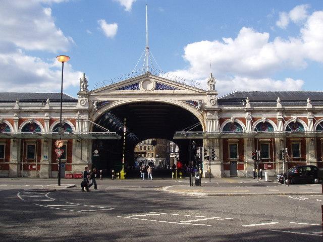 London: 2-Hour Movie Hot Spots Tour