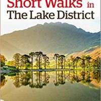 Short walks in the Lake District (Collins Ramblers)
