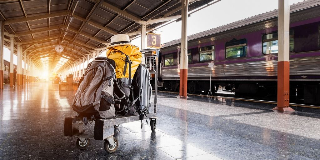 How to travel by overnight sleeper train (essential travel trips)