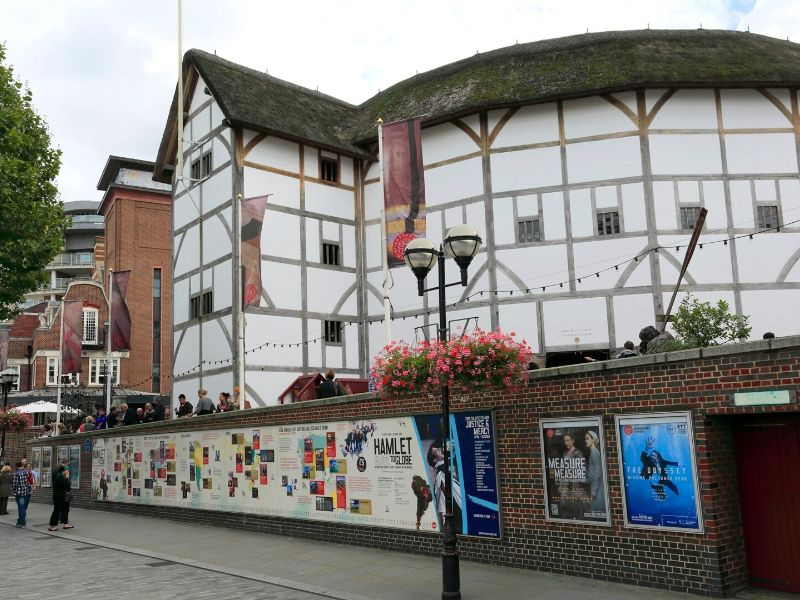 A picture of the Globe Theatre