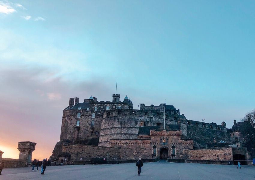 One of the top things to do in Edinburgh is to visit Edinburgh Castle