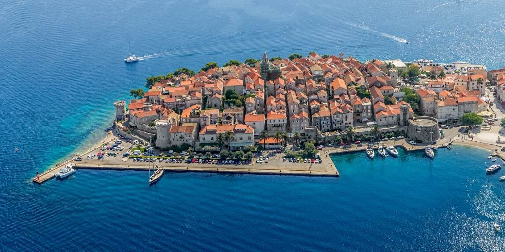 4 places you don't want to miss when yachting in Croatia