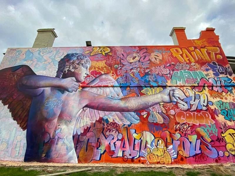 Angel mural by Pichiavo in the Port of Adelaide