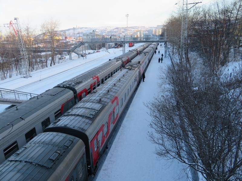 A snowy train platform in Russia