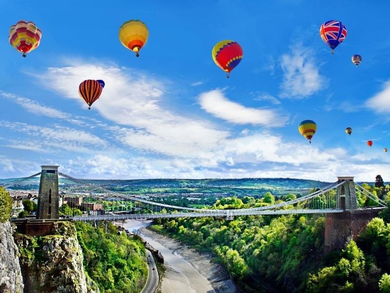 Balloons over the Bristol Suspension Bridge