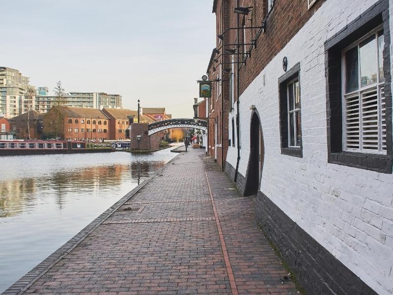 Canal walk near the Mailbox in Birmingham