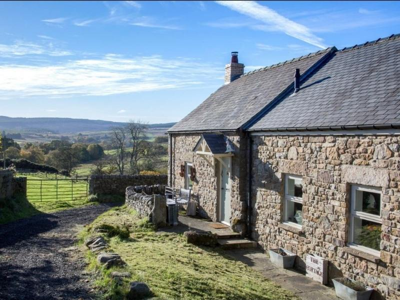 Black Reiver Bothy in Northumberland - Images courtesy of Airbnb