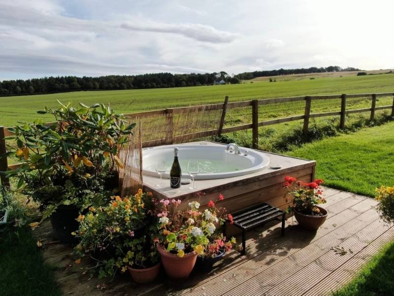 Honeymoon Cottage in the Scottish Borders Northumberland - Images courtesy of Airbnb