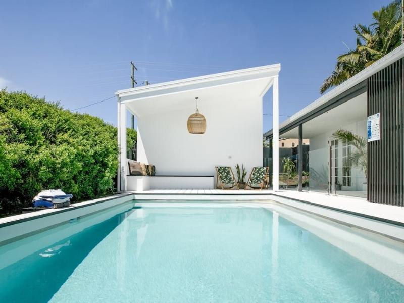 The Pool House - Image courtesy of AirBnB