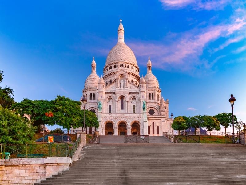 montmartre a must see when visiting-paris-france-for-the-first-time.